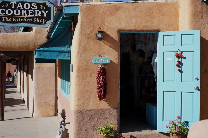 Taos Cookery The Kitchen Shop, Taos, New Mexico, USA © 2018 ericarobbin.com | All rights reserved.